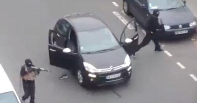 Captura-Charlie-Hebdo-difundido-Facebook_EDIIMA20150107_0231_5