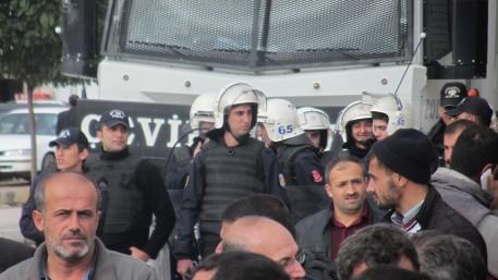 Policia en concentración
