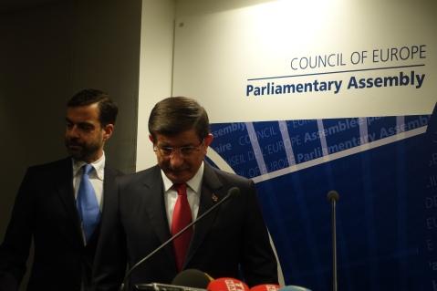 Davutoglu en el parlamento esuropeo