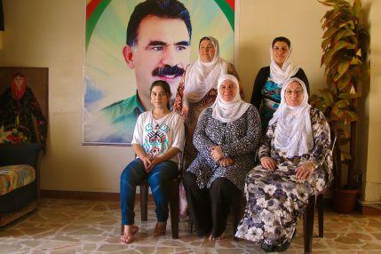It´s_a_-double-_revolution_for_Kurdish_women