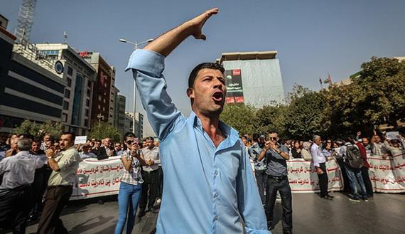 TeachersProtest-570.jpg