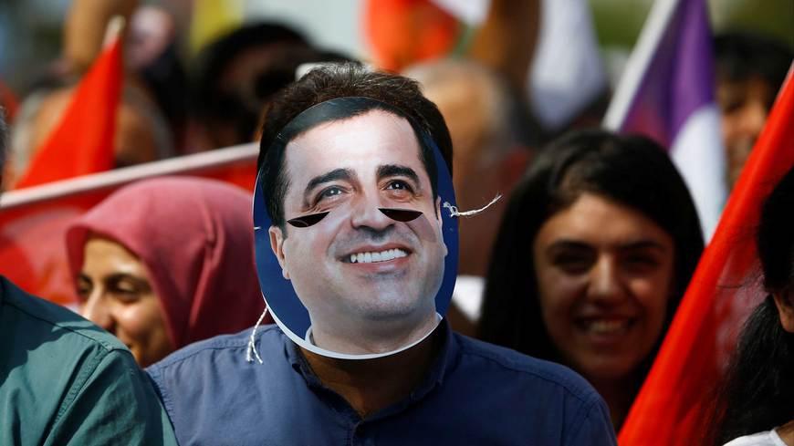 Demirtas mask